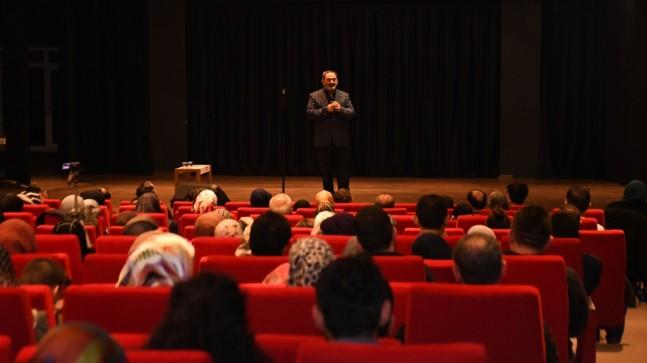 İnegöl'de Dursun Ali Erzincanlı İle Şiir Dolu Gece