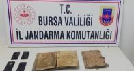 İnegöl'de bin yıllık İncil'i satarken yakalandılar